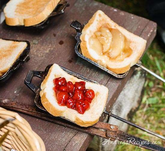 Easy Delicious Camping Food Ideas: 23 Amazingly Easy & Delicious Pie Iron Recipes
