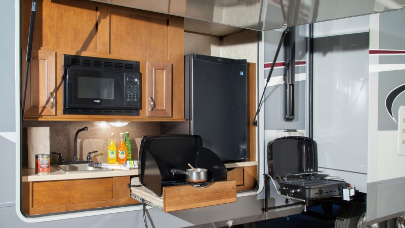 Charmant Outside Kitchen Roamer_fifth_wheel
