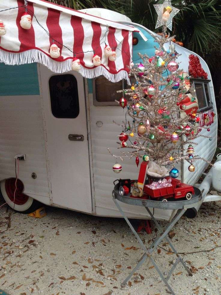 Christmas-RV-Dealer