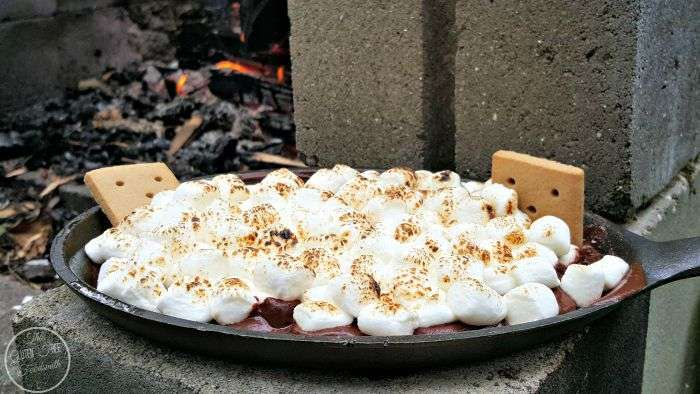 campfire-smores-cast-iron-recipes