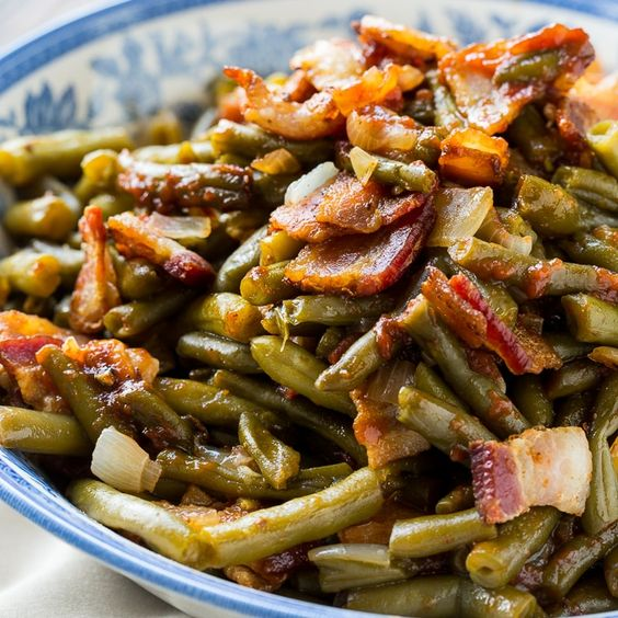 Green beans with onion and bacon