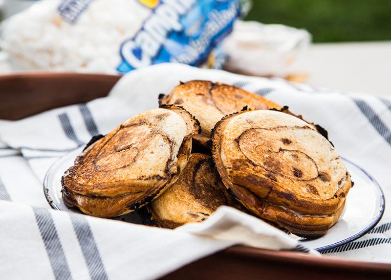 Pie iron dessert recipe: smores pudgie pies